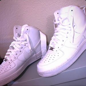 NIKE AIR FORCE ONES BRAND NEW (MENS)